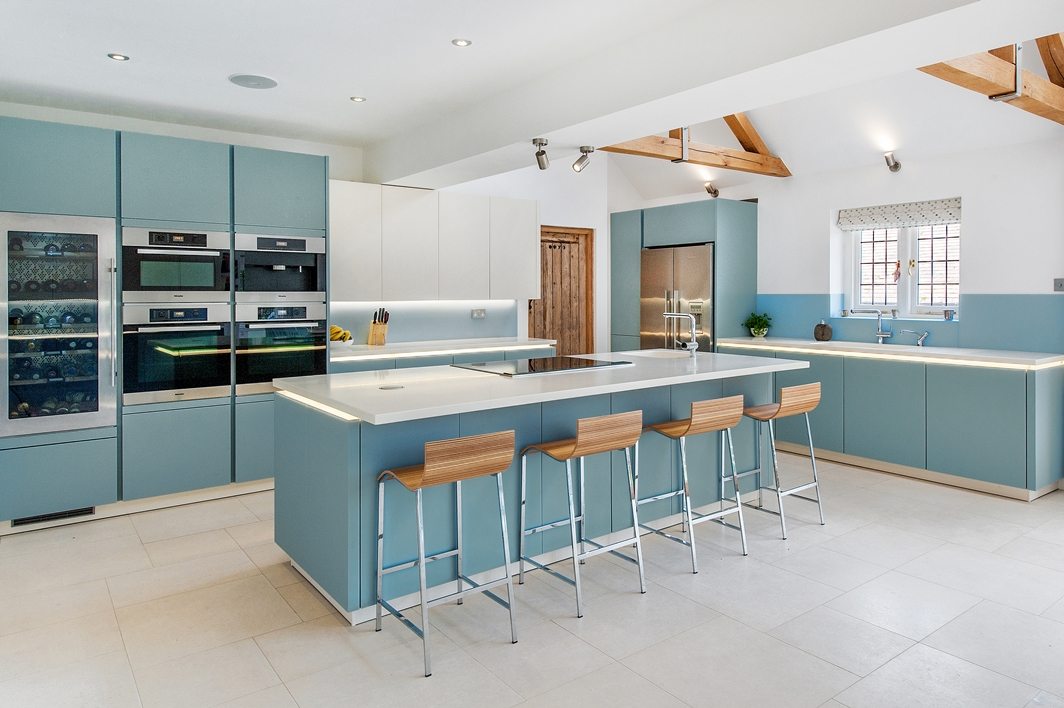 Kitchen gardeners modern kitchen in hartley wintney mga for Kitchen units sa
